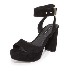 Alice and Olivia Parker Chunky Block heels Black